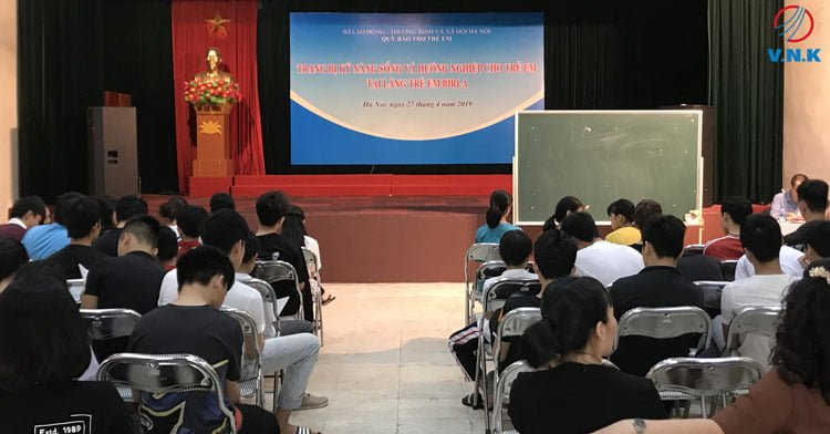 Buổi chia sẻ: Định hướng nghề nghiệp tại Làng trẻ em Birla Hà Nội