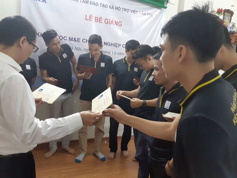 Lễ-bế-giảng-lần-thứ-hai-tại-Hà-Nội---VNK-EDU-Ảnh-2