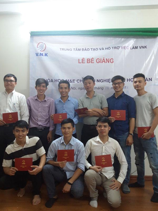 Lễ-bế-giảng-lần-thứ-nhất-tại-Hà-Nội---VNK-EDU-Ảnh-2