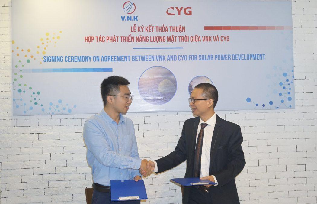 VNK – CYG: Lễ ký kết thỏa thuận hợp tác phát triển năng lượng mặt trời