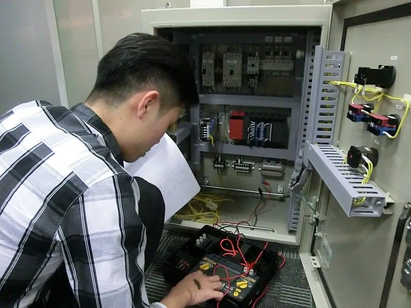Hình ảnh khóa đào tạo lập trình plc mitsubishi